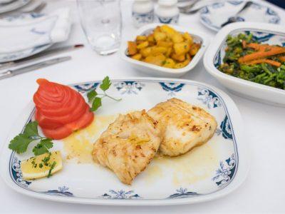 """Tranche Pescada """"Au Meunier"""" restaurante escondidinho porto pratos tipicos portugueses luxo requintado elites impact transition"""